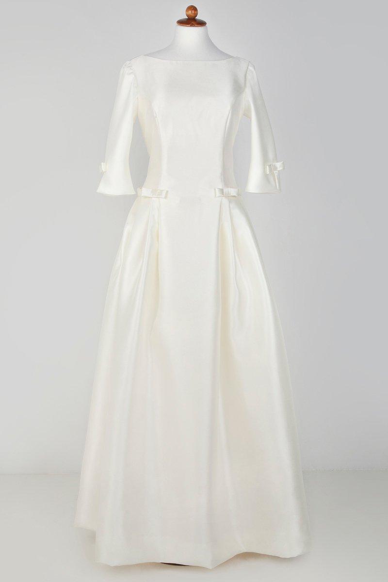Ένα νυφικό chic/classy/retro, Για μία νύφη κομψή και ταυτόχρονα πολύ θηλυκή!